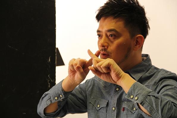 黄耀明:工业大厦里的行吟诗人